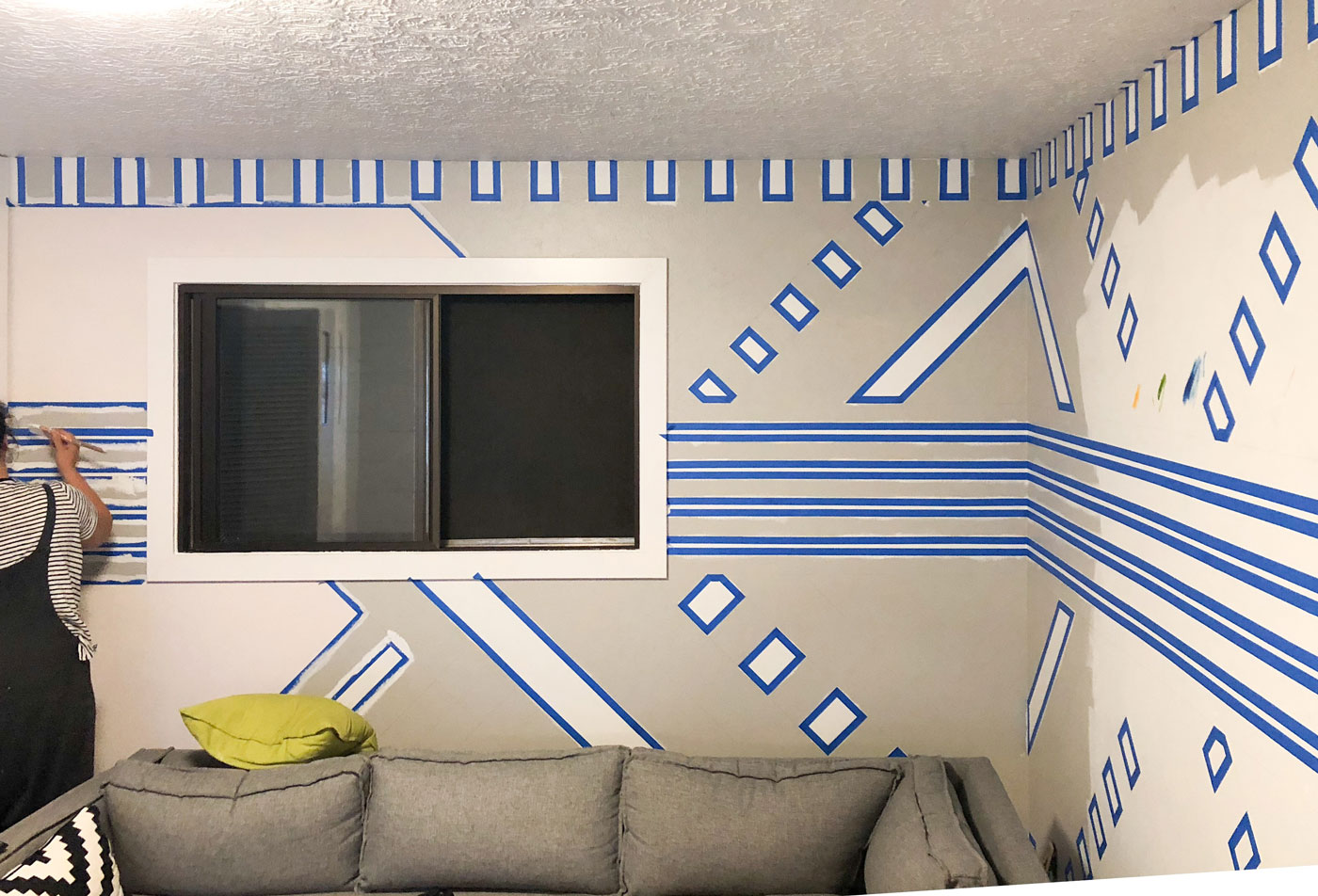 how-to-paint-a-Bold-striped-accent-wall-Banyan-Bridges
